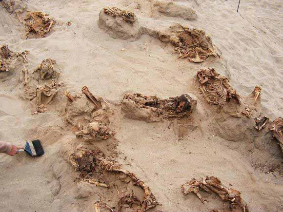 sacrificii umane in peru