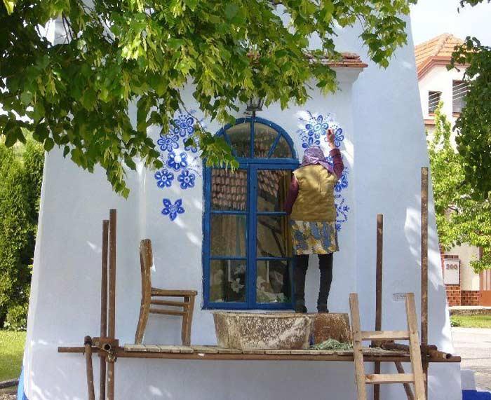 transformat satul într-o operă de artă